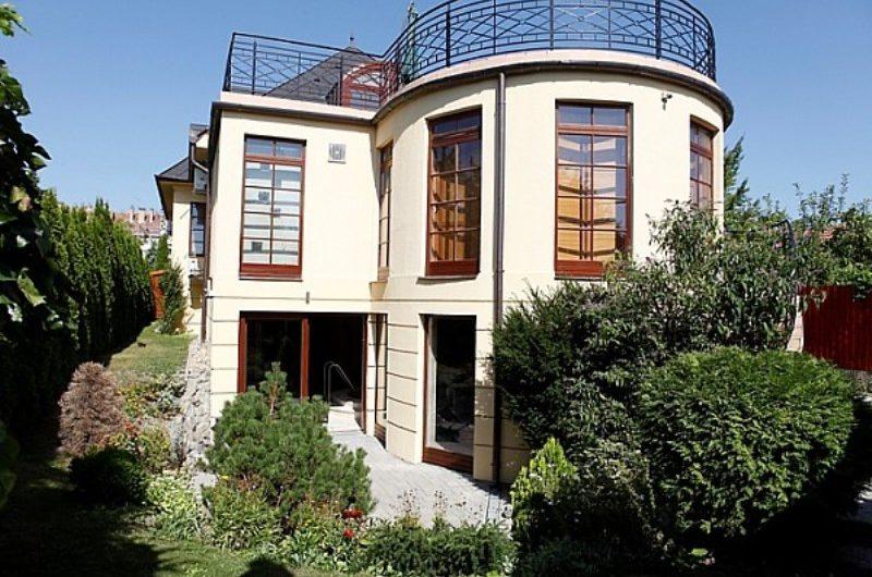 Szentendrén luxus családi ház eladó